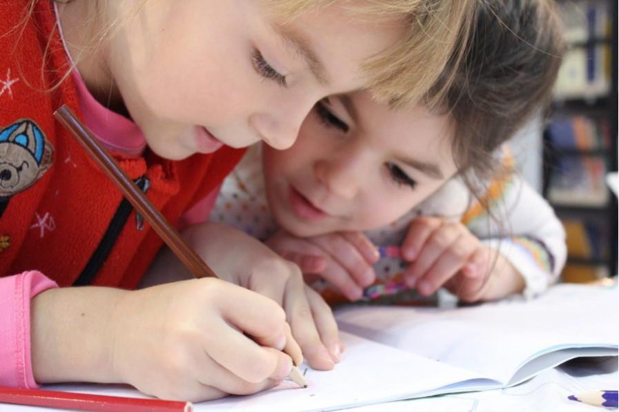 Lecture, écriture, et calcul, qu'apprend-on au CP ?