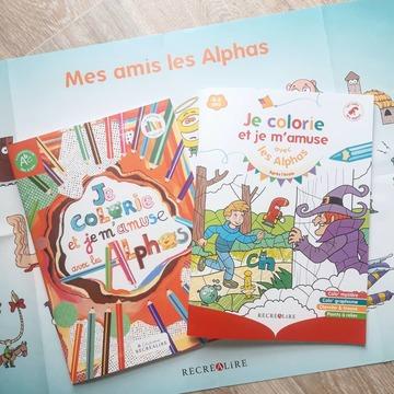 """[JEUDI COULISSES]  Avec quelques heures d'avance, nous vous annonçons la sortie d'un nouveau cahier qui sera disponible sur notre site www.editionsrecrealire.com dès demain !  Nous sommes fiers de vous faire découvrir """"Je colorie et je m'amuse avec les Alphas après l'école"""", la nouvelle édition de notre précédent cahier.  Un support dès 4 ans avec des activités variées : graphisme, coloriages, jeux... L'enfant pourra ainsi s'amuser en compagnie des Alphas ainsi que de ses crayons de couleur !  Cette nouvelle édition, par rapport à la version précédente, a bénéficié d'un gros travail graphique afin de proposer aux enfants des illustrations plus actuelles et une mise en page plus aérée et plus jeune.  Que pensez-vous de cette nouvelle couverture ?  #lesalphasofficiel #lesalphas #methode #lecture #recrealire #editionsrecrealire #edition #pedagogie #apprendre #lire #enfant #cahier #livre #dessin #jeu #coloriage #art #couleur #graphisme"""